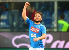 Il Napoli vince e convince confermandosi in vetta, dopo la vittoria dell'Inter. Juventus e Lazio continuano la loro lotta per i vertici della classifica