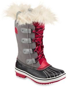 Sorel Tofino Winter Boots. Girly glam yet weather ready!