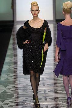 Valentino Fall 2007 Couture Fashion Show - Agnese Zogla
