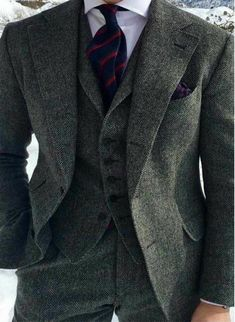 Mens tweed suit - Dark Grey Harringbone Wedding Tuxedos 2019 Two Button Notched Lapel Slim Fit Man Suit For Business occasion (Jacket Pants vest bow ) Mens Tweed Suit, Tweed Suits, Brown Tweed Suit, 3 Piece Tweed Suit, Grey Wool Suit, Grey Suit Men, Costume Gris, Mode Costume, Gentleman Mode