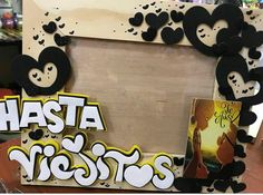 Cake Toppers, Diy And Crafts, Mickey Mouse, Projects To Try, Happy Birthday, Kawaii, Baby Shower, Lettering, Party