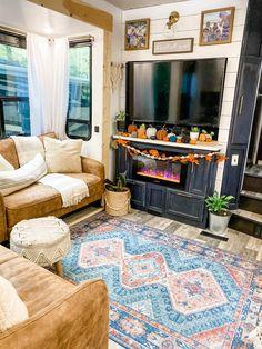 Rv Homes, Tiny Homes, Camper Life, Rv Life, Rv Living, Tiny Living, Van Home, Rv Interior, Camper Makeover