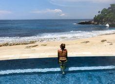 Nusa Lembongan sandy bay beach club