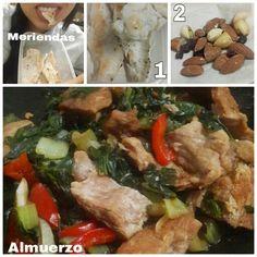 """Acá les dejo mis comidas de la tarde.  La primera foto se titula """"devorando las comidas"""" jajaja  - Almuerzo: Lomo de cerdo salteado con acelgas y espinaca. - Meriendas de la tarde: • Pechuga a la plancha con especies • Frutos secos  Hoy fue días de piernas así que mucha proteína en mis comidas y meriendas  #DatosFit #IdeasFit #VidaSaludable #NoEsDieta #ComidaSaludable #Lunch #HealthyFood #HealthyLiving #FitLunch #HealthyLunch #Meriendas #Almuerzo #FitMeals #HealthySnacks"""