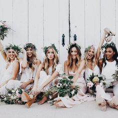 Must Take Wedding Photos With Your Bridesmaids ❤︎ Wedding planning ideas & inspiration. Wedding dresses, decor, and lots more. Mumu Wedding, Wedding Goals, Wedding Pics, Wedding Bridesmaids, Boho Wedding, Dream Wedding, Wedding Day, Wedding Dresses, Floral Bridesmaids