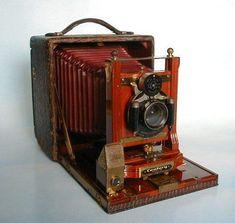 Model: Model 46   Manufacturer: Century Camera Co.   Manufacture date: 1900's #vintagecameras
