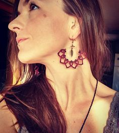 Aretes de Macrame, pendientes aro, tribal, boho, bohemio, hippie, gitana Macrame Earrings, Macrame Jewelry, Tribal Jewelry, Diy Earrings, Boho Jewelry, Jewelery, Jewelry Design, Hoop Earrings, Unique Jewelry