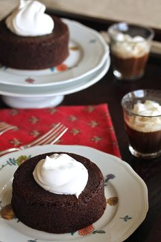 These gingerbread baby cakes are loaded with gingery spiciness.