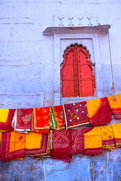 saris drying