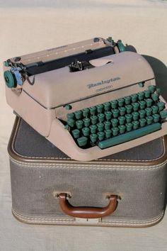 vintage Remington portable typewriter w/ tweed case, 50s Remington Quiet-Riter typewriter