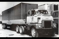 International LDC-400 Vintage Trucks, Old Trucks, International Harvester Truck, Cab Over, Diesel Trucks, Diesel Engine, Good Ol, Classic Trucks, Semi Trucks