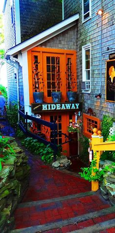 14 Restaurants you have to visit in Massachusetts  -  13. Jimmy's Hideaway, Provincetown