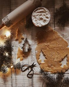 christmas mood Christmas decor inspiration and ideas for Katharine Dever II Transformation Expert and Business Coach # presents Christmas Time Is Here, Christmas Mood, Merry Little Christmas, Noel Christmas, All Things Christmas, Winter Things, Christmas Cookies, Christmas Flatlay, London Christmas