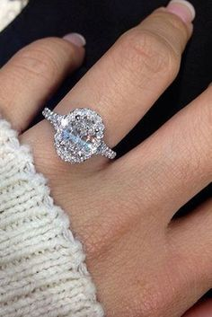 The Chic Technique:  Oval diamond engagement ring.  Beautiful!