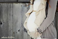 Winter maternity Dear Lillie: Jamie and Josh's Maternity Photo Shoot Maternity Poses, Maternity Portraits, Maternity Photography, Photography Ideas, Maternity Style, Amazing Photography, Fashion Photography, Winter Maternity Pictures, Maternity Winter
