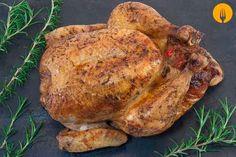 Si te gustó nuestra receta de pollo al horno con patatas, no puedes perderte la elaboración que te traemos hoy. En esta ocasión, hemos ido un paso más allá