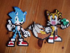 Sonic and Tails wall deco by beadstoterabithia on Etsy, €3.50