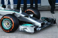 2014 Mercedes AMG F1 W05 :Front nose