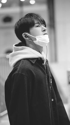 Aishh why looking so handsome ~ Yg Ikon, Kim Hanbin Ikon, Ikon Kpop, Yg Entertainment, Ikon Leader, Ikon Debut, Korean Celebrities, New Kids, Greek Gods