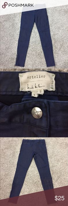 Gorgeous Nicole Miller Artelier navy skinny pants Absolutely gorgeous Nicole Miller Artelier navy skinny pants - they feel super luxurious - SIZE 6 - Nicole Miller Pants Skinny