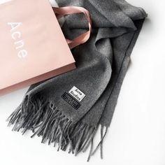 Acne Cure, Acne Studios, Fashion Beauty, Womens Fashion, Net Fashion, Style 82812f2a54e