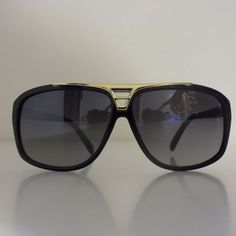 48dc1ce24f55 Louis Vuitton Men s Sunglasses 0105 62 12-125 Black   Gold Frame Aviator  Style  fashion  clothing  shoes  accessories  mensaccessories ...