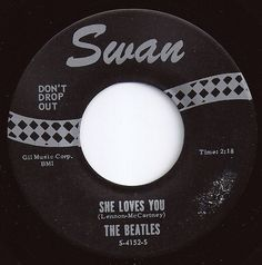 Beatles 45 RPM Record she loves you Old Records, Vinyl Records, Good Music, My Music, Football Music, Song Words, She Loves You, Vinyl Junkies, The Fab Four