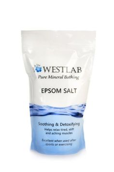 Amazing Natural Detox (Epsom Salts) Epsom Salts are actually magnesium sulphate and most of us are lacking in magnesium. Epsom Salt Foot Soak, Epsom Salt Bath, Homemade Foot Soaks, Homemade Skin Care, Epsom Salt Benefits, Magnesium Flakes, Lab, Magnesium Chloride, Fizzy Bath Bombs