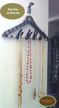 DIY- door hanger using collars with custom napkin and fasteners for clothes  *Porta colares de cabide e prendedores de roupa