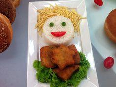 Quer preparar em casa nuggets de frango e hambúrguer? Edu ensina o passo a passo! http://r7.com/H2V5