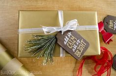 diy-rustic-stained-wood-gift-tags-05.jpg (720×477)