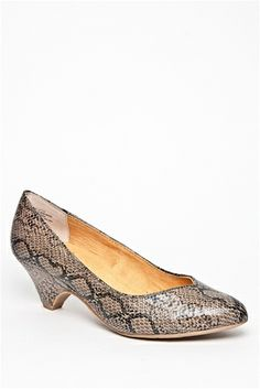 d3c634a90b25 In The Winners Circle Low Heel Shoe - Python Taupe
