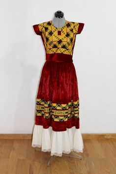 Mexican Fashion, Mexican Outfit, Mexican Dresses, Skirt Fashion, Boho Fashion, Vintage Fashion, Fashion Design, Traditional Fashion, Traditional Outfits