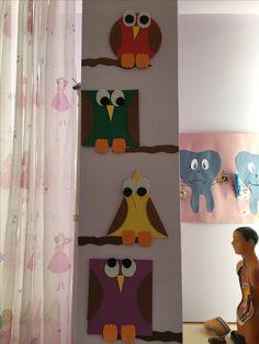 Şekiller panosu okul öncesi Felt Crafts, Diy And Crafts, Crafts For Kids, Arts And Crafts, Space Classroom, Classroom Board, Preschool Themes, Activities For Kids, Nursery Crafts