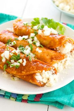 Cheese Enchiladas - the best enchiladas are filled with Queso Fresco (white Mexican cheese) and red sauce! Only 4 ingredients needed for these authentic enchiladas! Easy Cheese Enchiladas, Best Enchiladas, Mexican Enchiladas, Vegetarian Enchiladas, Chicken Enchiladas, Vegetarian Meals, Healthy Meals, Queso Fresco Recipe, Queso Fresco Cheese