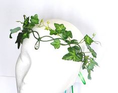 My latest design here I have made poison ivy accessory to match my other poison ivy designs or ideal for tree people, green woman or green man, mother nature and whimsical woodland elf or Elven wear fancy dress. Great for Dance, theatre, show costume and photo props too. A comfortable, light accessory with ease of movement but strong to keep its shape. ORDERING Pick fom the drop down list what colour vine you would like, and send in a message at check out your measurements if you wish…