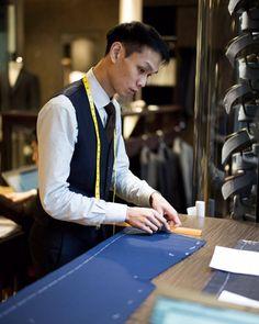 "wwchantailor: ""Dik taking apart the basting. "" Never enough blue suit ! Bespoke Tailoring, Men's Style, Dapper, Menswear, Suit, Mens Fashion, Deco, Handmade, Blue"