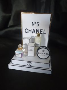 """Shopdisplay """"Chanel"""" 1/12th scale"""