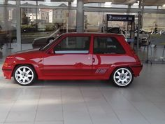 Renault 5 GT Turbo Red Renault 5 Gt Turbo, Automobile, Renault Megane, Ford Escort, Top Cars, Small Cars, Rally Car, Retro Cars, Vintage Racing