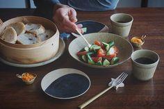 蒸しパンとサラダでいただきます仏生山のパン屋さんレーズンパン美味しいなふかふかもちもち さあお仕事のレシピ&写真を仕上げるぞー by saki.214