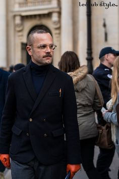 Menswear Street Style. Angelo Flaccavento, portrait by Ángel Robles at Paul Smith show. Paris Fashion Week.