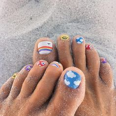 Nail art is a very popular trend these days and every woman you meet seems to have beautiful nails. It used to be that women would just go get a manicure or pedicure to get their nails trimmed and shaped with just a few coats of plain nail polish. Cute Toe Nails, Cute Acrylic Nails, My Nails, Nail Art Toes, Gel Toe Nails, Gel Toes, Toe Nail Polish, Painted Toe Nails, Pedicure Nail Art
