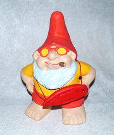 Fernseh gucken ist nichts für Gartenzwerge! Jetzt will der Gartenzwerg als Baywatch Gnome berühmt werden...  www.zwergen-power.com