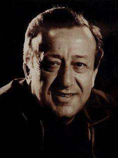 Ulvi Uraz-Ulvi Uraz (d. 1921 – ö. 25 Mayıs 1974), Türk tiyatro ve sinema oyuncusu, yönetmen. Kurduğu topluluklarda Türk tiyatrosunun birçok tanınmış oyuncusu yetişmiştir. Ankara Devlet Konservatuvarı Tiyatro Bölümü'nü 1943'te bitirdi. Aynı yıl Tatbikat Sahnesi'nde Shakespeare'in Julius Caesar oyununda sahneye çıktı. 1948'de Ahmet Kutsi Tecer'in Köşebaşı oyunundaki Beybaba yorumuyla dikkati çekti. 1949'a değin Tatbikat Sahnesi'nde, daha sonra da Ankara Devlet Tiyatrosu'nda çalışırken bir…