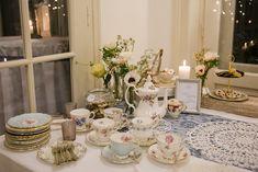 wedding Vienna, Austria, winter wedding, cookies bar, coffee & wedding cake, Viennese coffee table photo: die Elfe Vienna, Planer, Austria, Wedding Cakes, Table Settings, Bar, Table Decorations, Drinks, Food