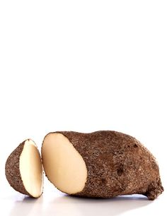 IGNAME: L'igname est un légume-racine cultivé dans toutes les zones tropicales de la planète. Il diffère selon les espèces mais il est généralement tendre et sucré, un peu farineux au goût de châtaigne.