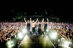 ONE OK ROCK rocks out Manila for the first time, ready to return to Singapore - http://sgcafe.com/2016/01/video-one-ok-rock-rocks-out-manila-for-the-first-time/