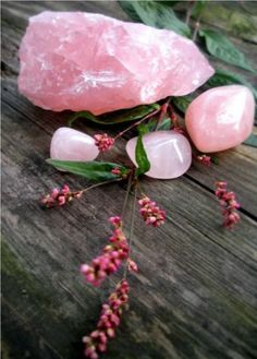 Rose Quartz // crystal fairy vibes