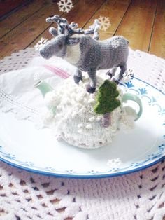 Reindeer Tea Cozy Knitting Pattern by Claire Garland