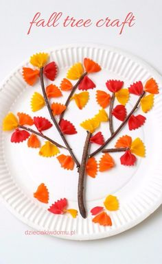 Jesienne drzewko z kolorowego makaronu & fall tree craft for kids Autumn tree made of colorful pasta fall tree craft for kids The post Autumn tree made of colorful pasta fall tree craft for kids appeared first on Pink Unicorn. Fall Arts And Crafts, Easy Fall Crafts, Fall Crafts For Kids, Thanksgiving Crafts, Holiday Crafts, Fun Crafts, Art For Kids, Kids Diy, Decor Crafts
